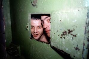 two men locked in Russian prison cell